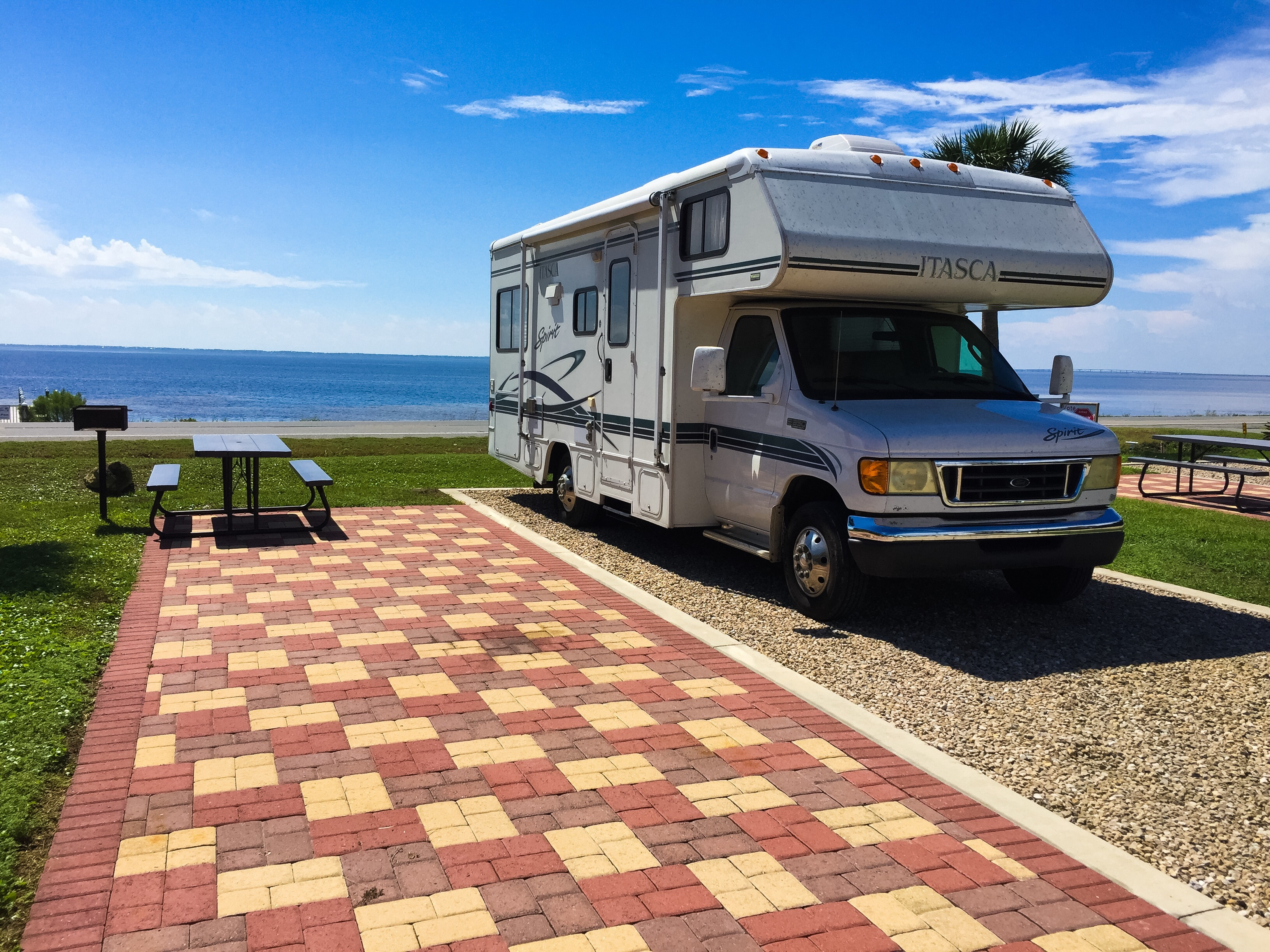 Fantastic Six Reasons Why You Should Live In An RV During Your 20s